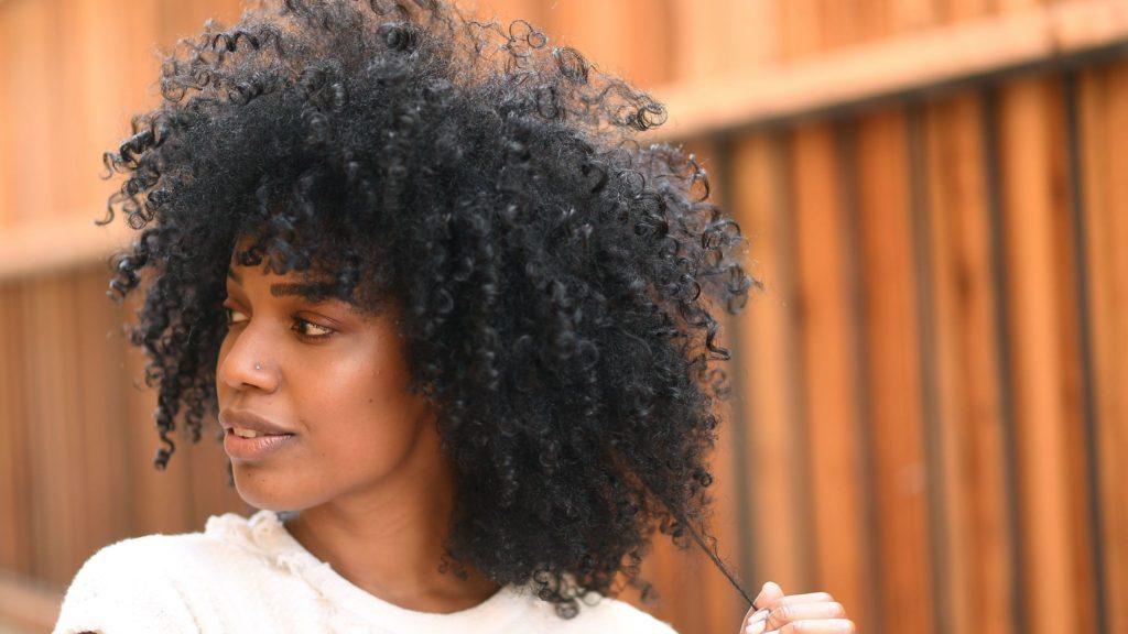 Natural-Hairstyles-for-Medium-Length-Hair-1024x576.jpg